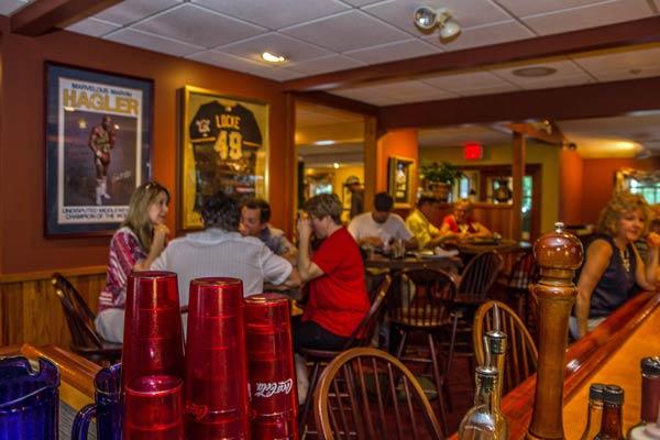 Restaurant / Martini & Whiskey Bar